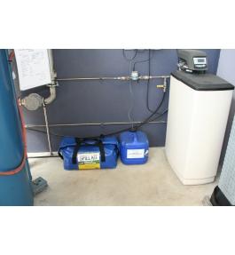 Small all liquid spill kit